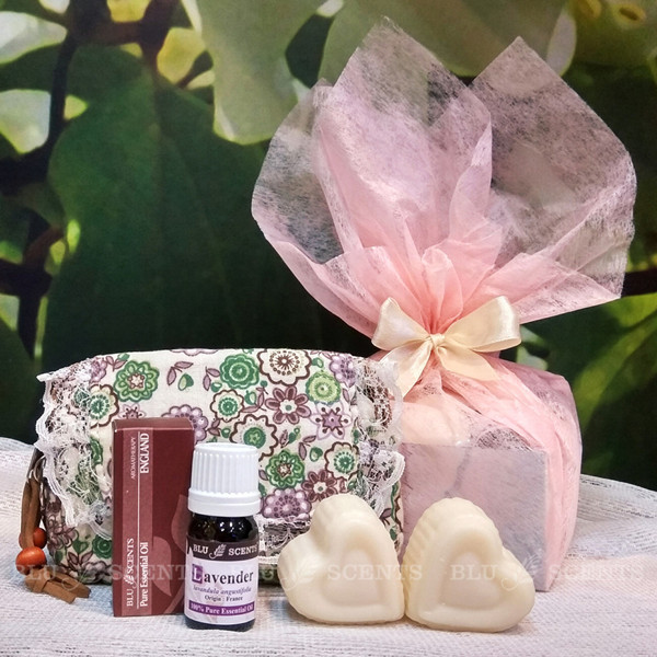 Relaxing Floral Pouch Gift Set